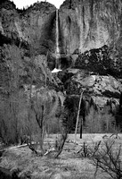 9728 Yosemites Falls with Ice