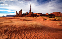 7002 Monument Valley, Totem Pole and Sand Dunes